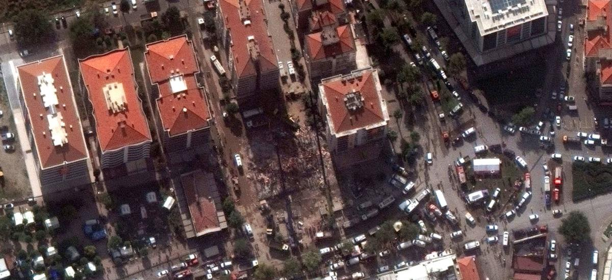 A satellite image shows rescue workers at the site of a collapsed building after the earthquake in Izmir, Turkey, November 3, 2020. Picture taken November 3, 2020. Satellite image ©2020 Maxar Technologies/Handout